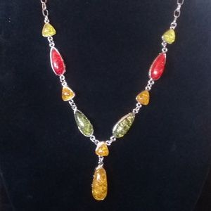 Jewelry - Multi-color amber style necklace